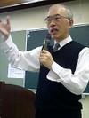 「年金相談の基礎知識」を講義する佐藤先生