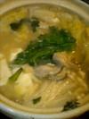 ぐつぐついってる牡蠣鍋