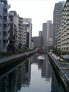新芝橋から見た新芝運河